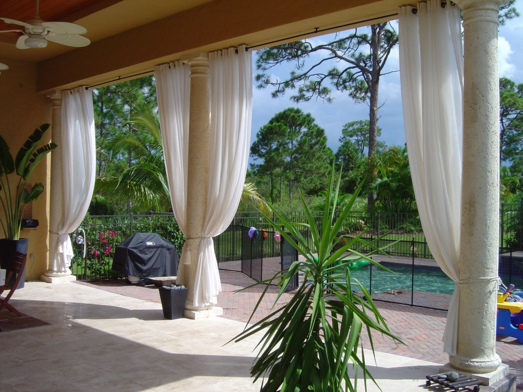 Which outdoor curtains are the more useful?
