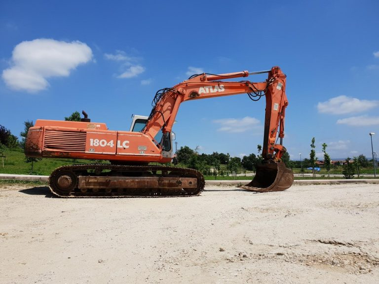 Top 5 Essential Tips to Consider When Buying Heavy Equipment at an Online Auction