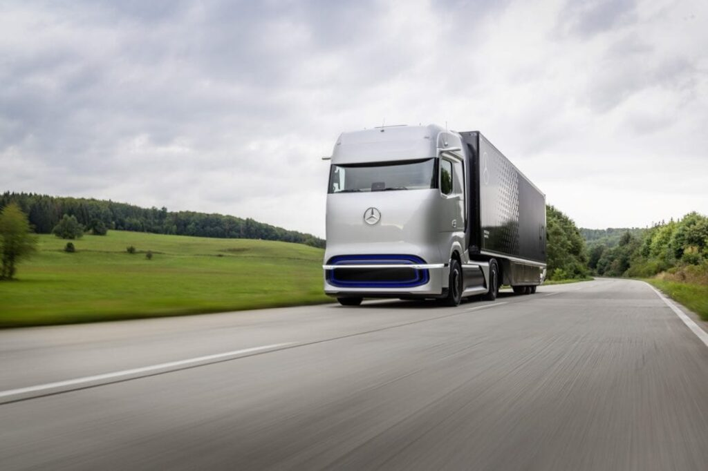 Daimler Truck says that the transition to EVS will cost jobs