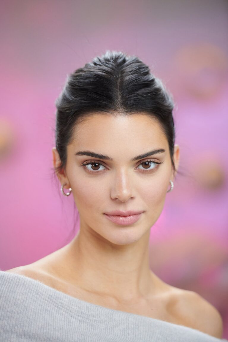 Kendall Jenner Net worth 2021 and some surprising things