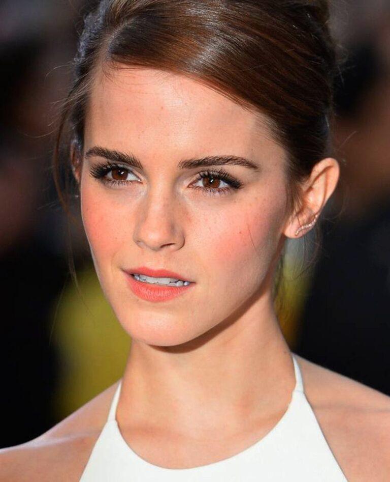 Emma Watson Net Worth 2021 – How Rich Emma Watson?