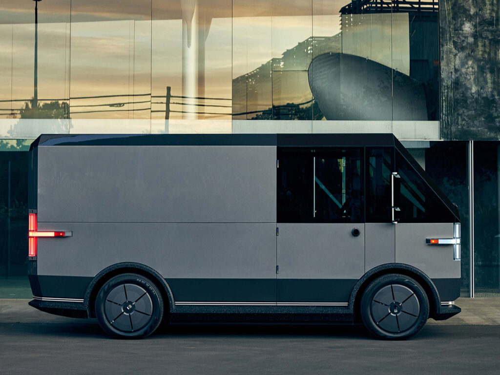 The fascinating EV of Canoo receives a price as a minivan and open pickup reservations